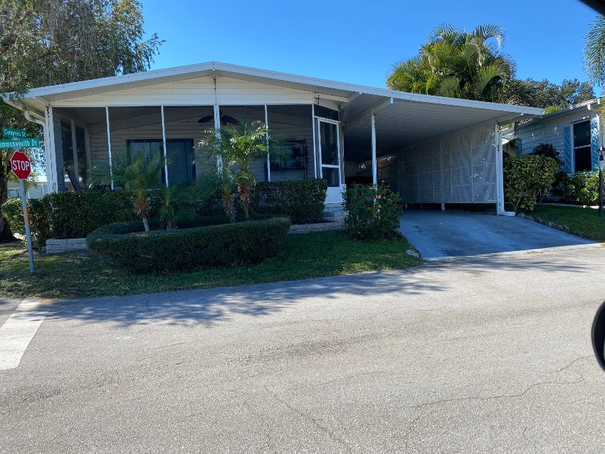 Vero Beach, FL Mobile Home for Sale located at 92 Common Wealth - Heritage Plantation