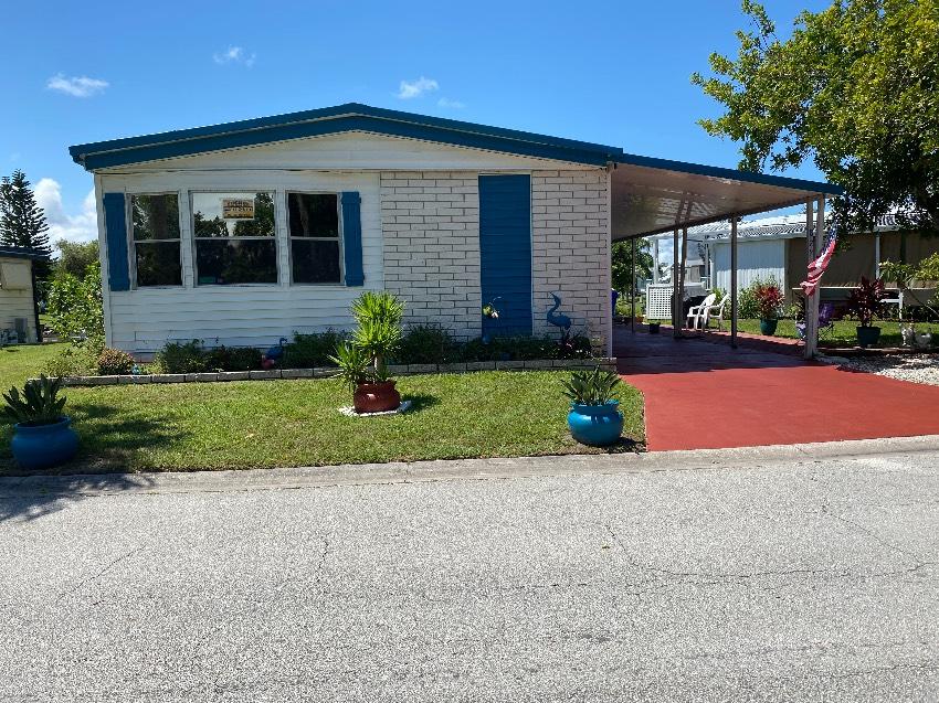 Vero Beach, FL Mobile Home for Sale located at 844 Swan Lake Swan Lake