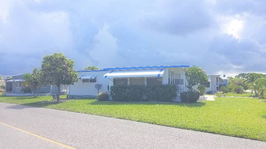 Mobile / Manufactured Home for sale Venice, FL 34285. Listed on MHGiant.com