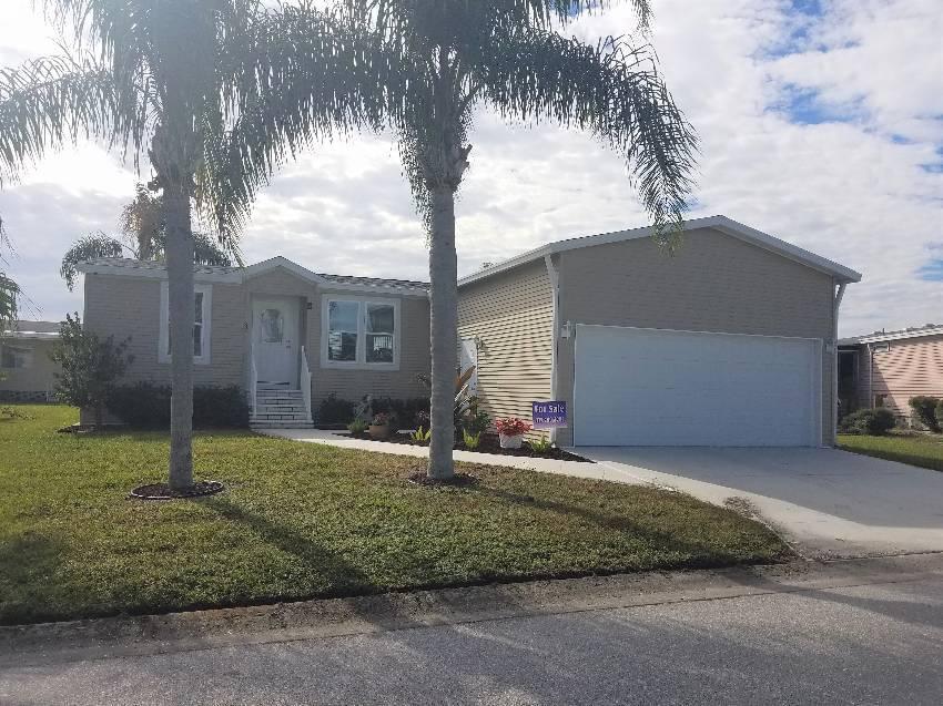 Ellenton, FL Mobile Home for Sale located at 8111 Buena Vista Way S - Colony Cove