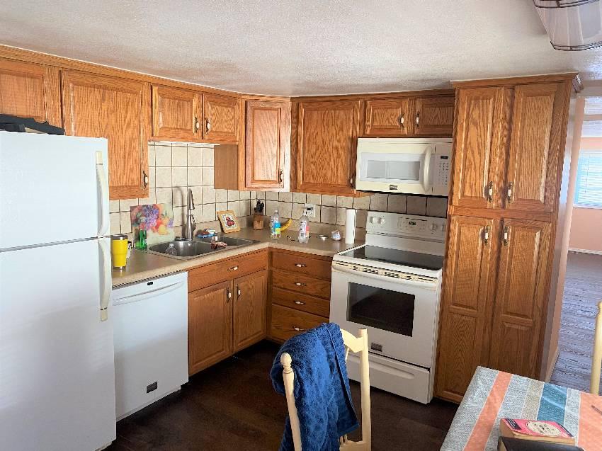Nokomis, FL Mobile Home for Sale located at 282 Lake Dr - Lake Village