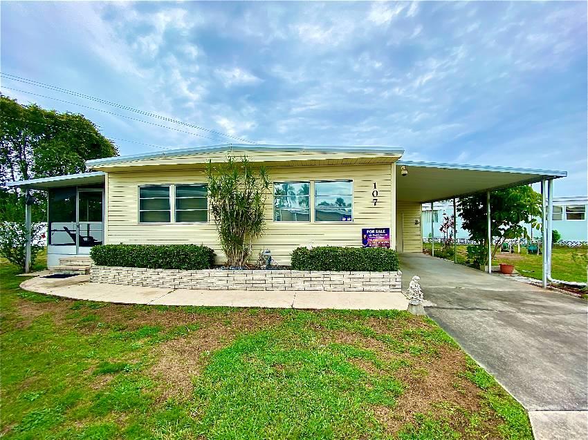 Sarasota, FL Mobile Home for Sale located at 3901 Bahia Vista St Lot 107 Bahia Vista Estates