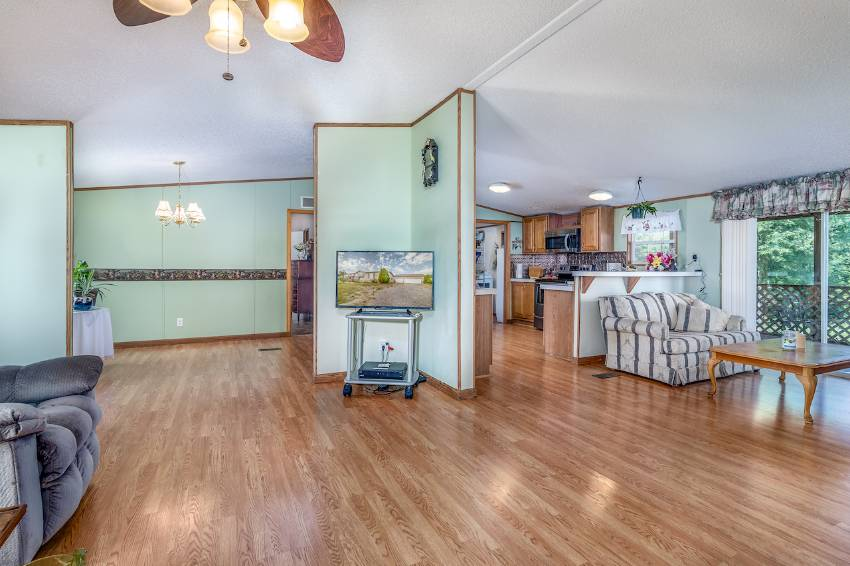 White Pine, TN Mobile Home for Sale located at 2949 Valley ...