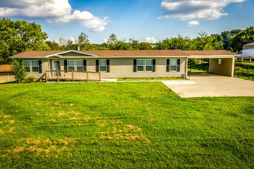 Mobile home for sale in Louisville, FL