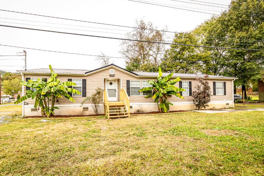 Mobile home for sale in Bristol, FL