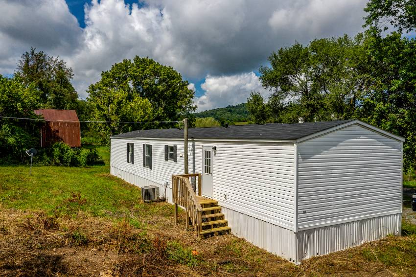 404 Amis Chapel Road a Surgoinsville, TN Mobile or Manufactured Home for Sale