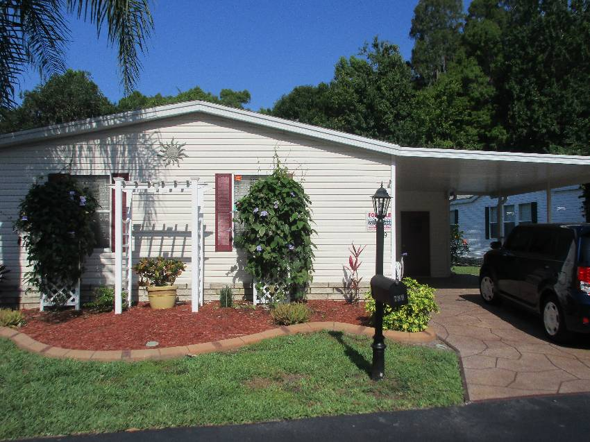Auburndale, FL Mobile Home for Sale located at 789 Royal Forest Dr - The Hamptons