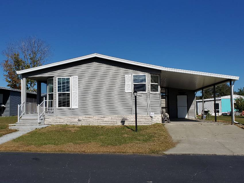 Dade City, FL Mobile Home for Sale located at 36125 Overlook Dr - Fishermans Cove
