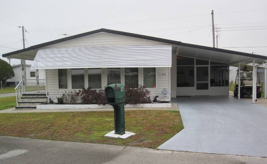 Lakeland, FL Mobile Home for Sale located at 144 Joyce Place - Twin Palms