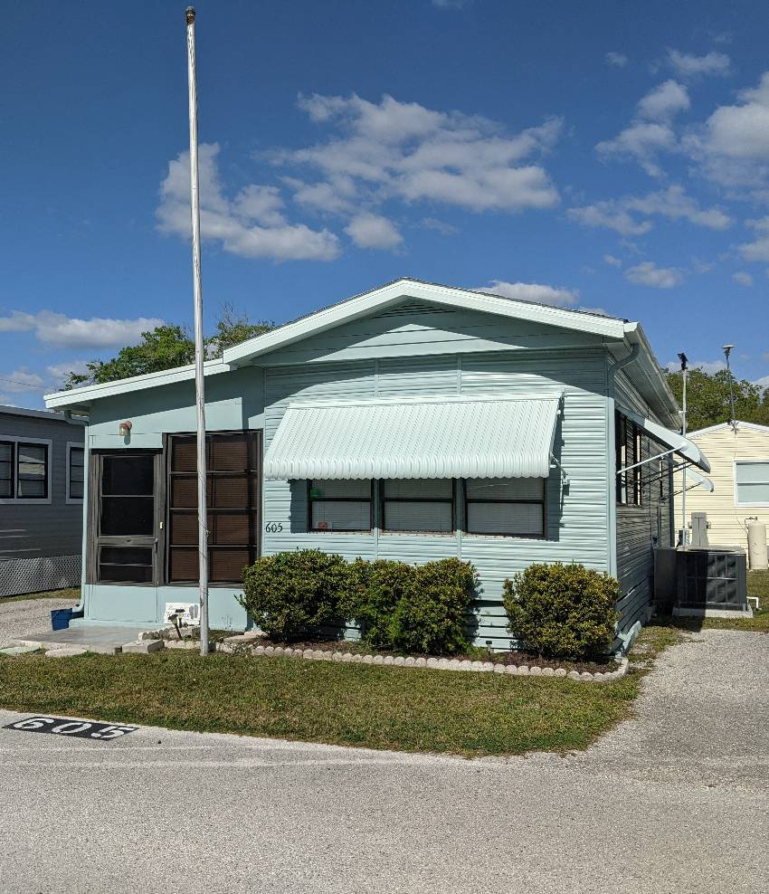 St Petersburg, FL Mobile Home for Sale located at 3390 Gandy Blvd N - Roberts Mobile Home And Rv Park