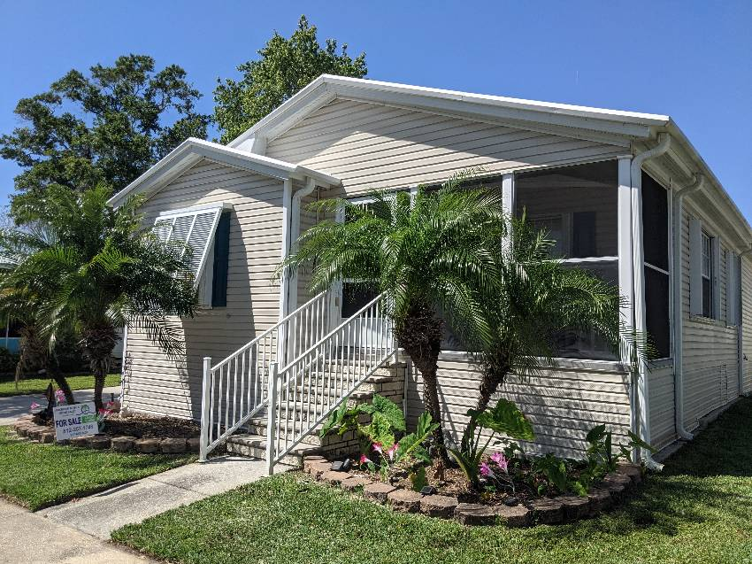 Largo, FL Mobile Home for Sale located at 601 Starkey Rd - East Bay Oaks