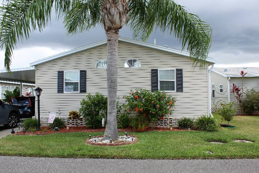 Winter Haven, FL Mobile Home for Sale located at 303 Monterey Cypress Blvd Cypress Creek Village