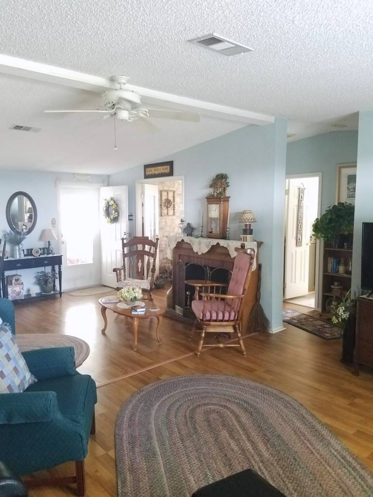 Mobile / Manufactured Home for sale Lakeland, FL 33803. Listed on MHGiant.com