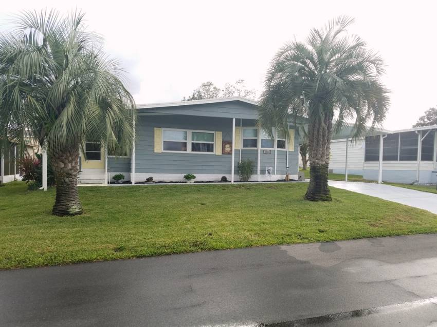 Lakeland, FL Mobile Home for Sale located at 1522 Garrison Drive - Foxwood Village
