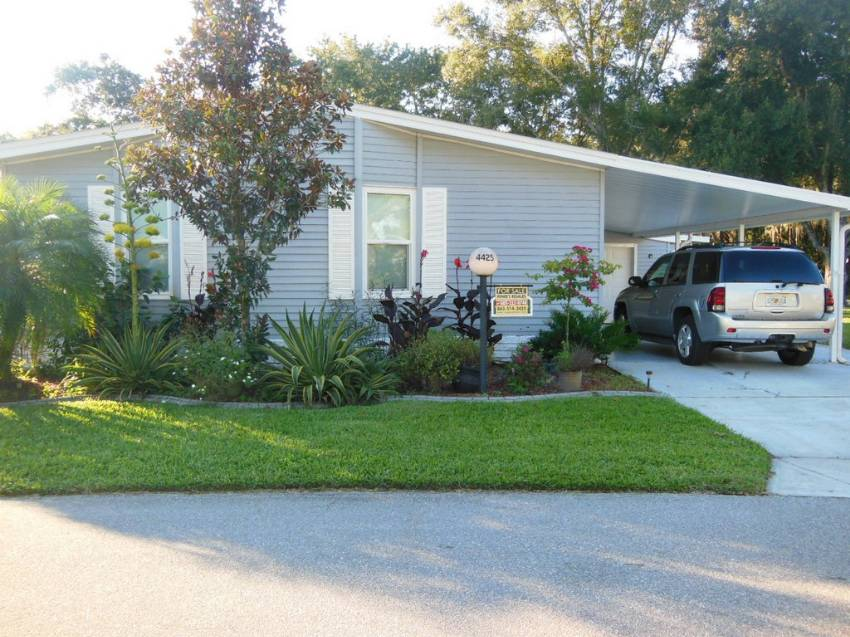 Lakeland, FL Mobile Home for Sale located at 4425 Arlington Park Dr - Schalamar Creek Golf & Country Club