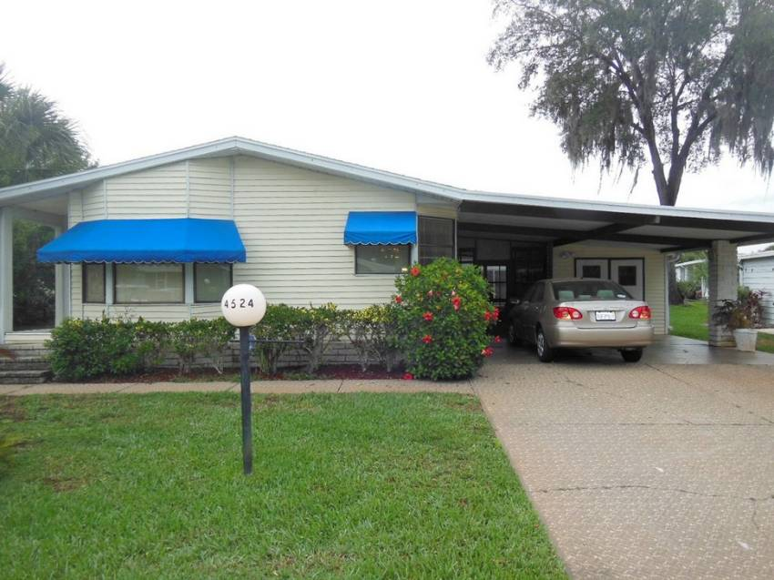 Lakeland, FL Mobile Home for Sale located at 4524 Alpine Dr - Schalamar Creek Golf & Country Club
