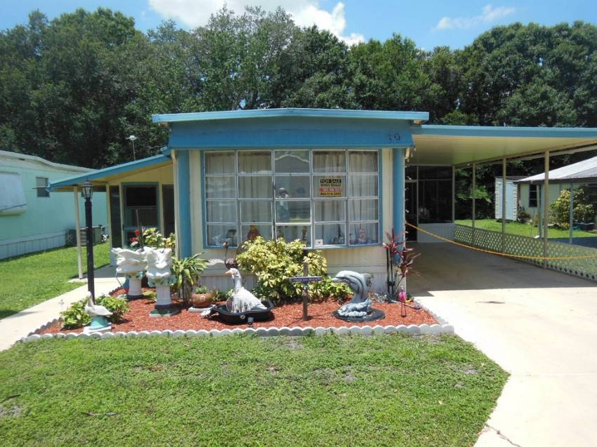 Auburndale, FL Mobile Home for Sale located at 39 Central Leisure Lake Mhp - Central Leisure Lake Mhp