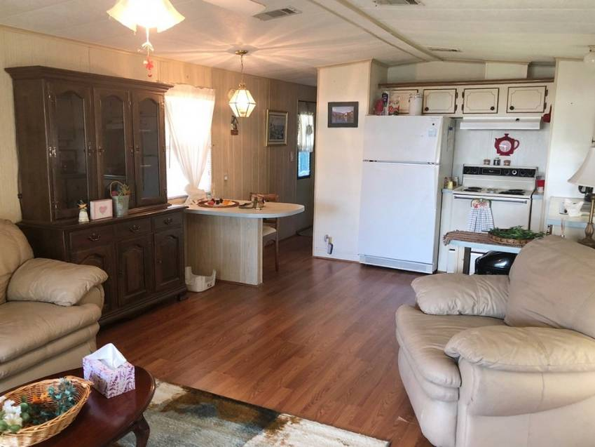 Mobile / Manufactured Home for sale Haines City, FL 33844. Listed on MHGiant.com