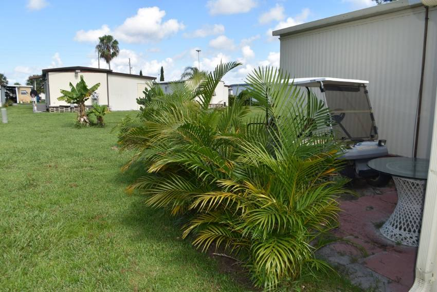 Mobile / Manufactured Home for sale Winter Haven, FL 33881. Listed on MHGiant.com
