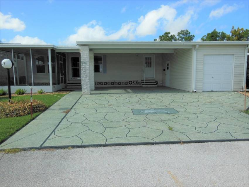 Lakeland, FL Mobile Home for Sale located at 1677 Deverly Dr - Schalamar Creek Golf & Country Club