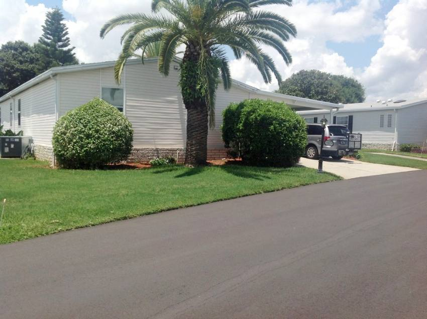 Winter Haven, FL Mobile Home for Sale located at 1003 La Costa Ln - Four Lakes Golf Club