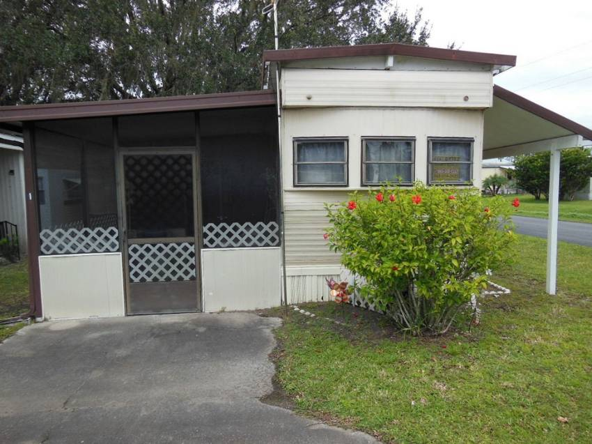 Mobile home for sale in Auburndale, FL