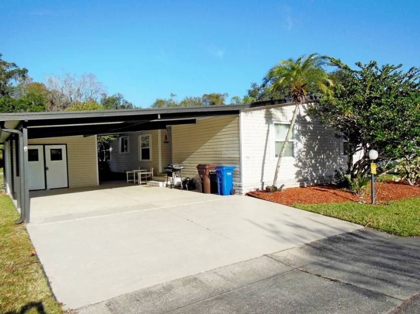 Lakeland, FL Mobile Home for Sale located at 4409 Arlington Park Dr - Schalamar Creek Golf & Country Club