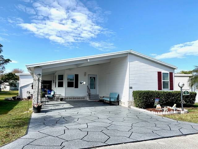 Lakeland, FL Mobile Home for Sale located at 1480 Crooked Creek Tr - Schalamar Creek Golf & Country Club