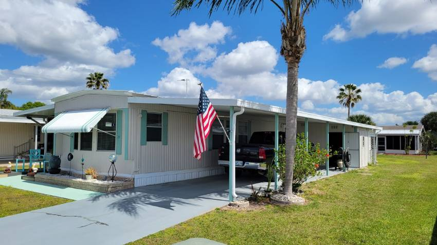 Winter Haven, FL Mobile Home for Sale located at 50 Green Meadow Dr - Orange Manor West