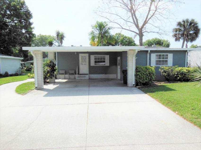 Lakeland, FL Mobile Home for Sale located at 4409 Avalon Cove - Schalamar Creek Golf & Country Club