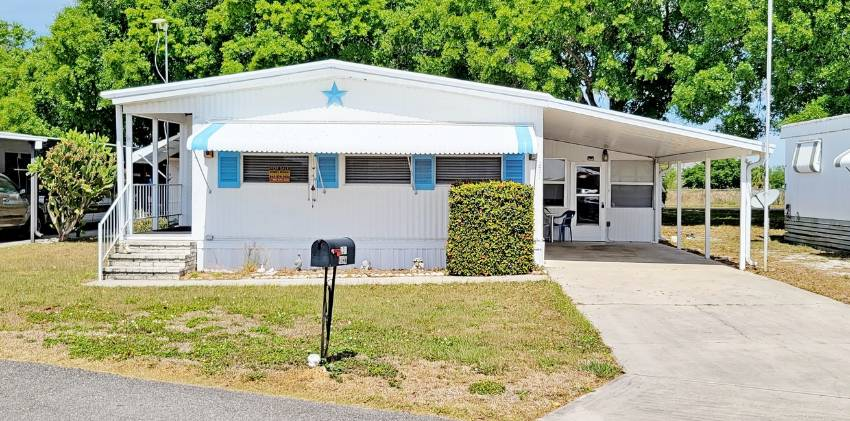 Mobile home for sale in Dundee, FL