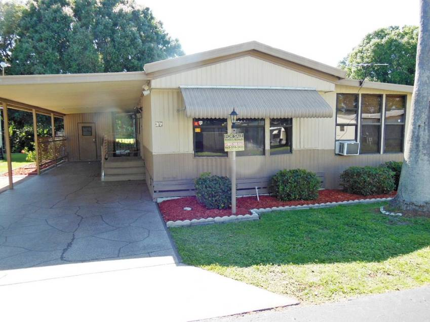 Auburndale, FL Mobile Home for Sale located at 37 Leisure Dr - Central Leisure Lake