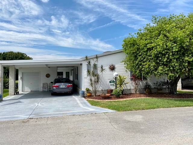 Lakeland, FL Mobile Home for Sale located at 1643 Deverly Drive - Schalamar Creek Golf & Country Club