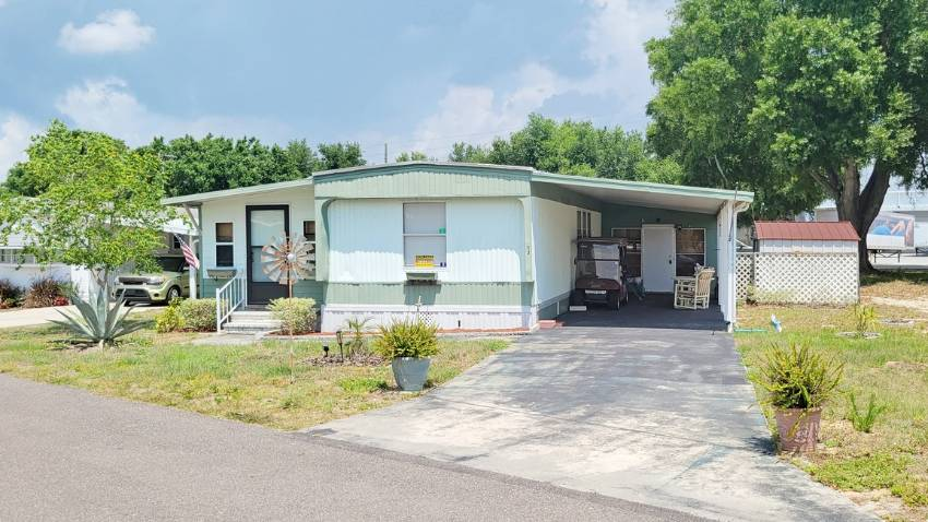 Dundee, FL Mobile Home for Sale located at 12 Green Haven Ln E - Dell Lake Village