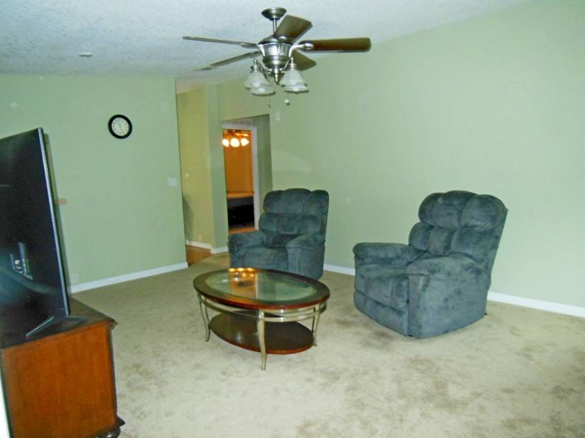 Mobile / Manufactured Home for sale Lakeland, FL 33801. Listed on MHGiant.com