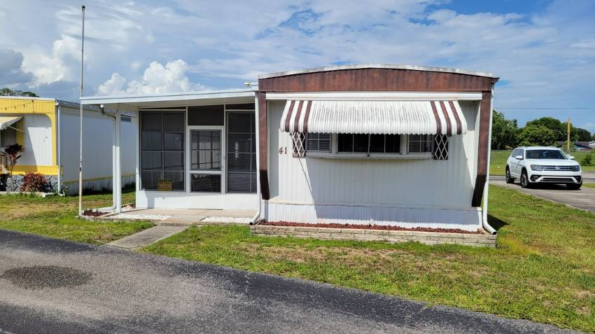 Winter Haven, FL Mobile Home for Sale located at 41 Stebbins Dr - Grove Shores M H C
