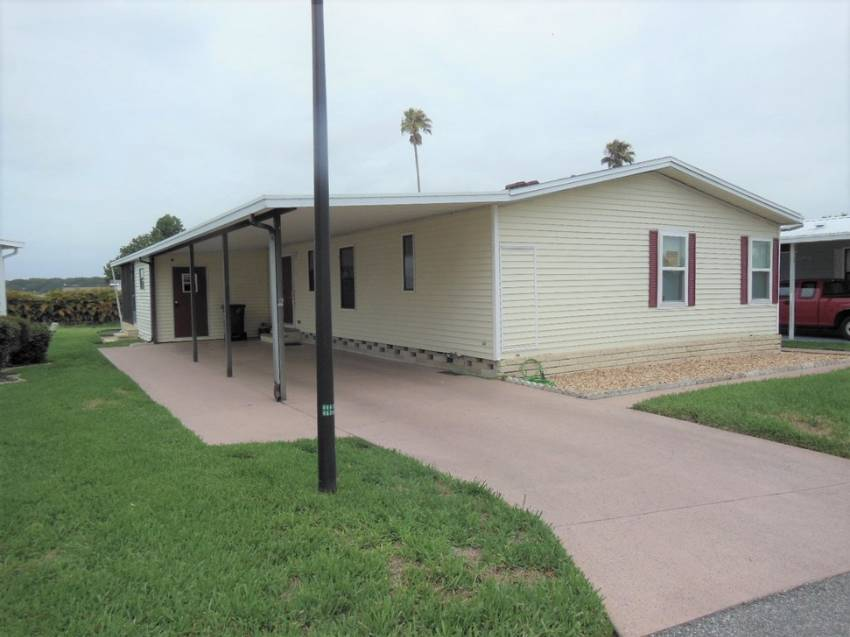 Auburndale, FL Mobile Home for Sale located at 147 Juliana Blvd Lake Juliana Landings